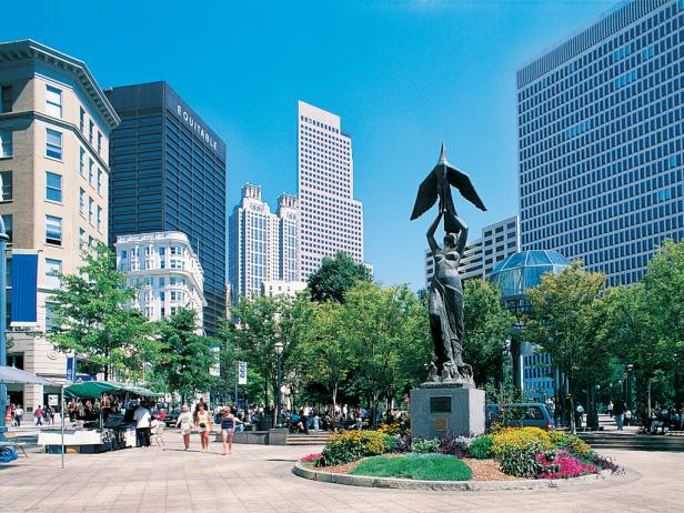 Atlanta, GA.  Coolest Neighborhoods : Woodruff Park
