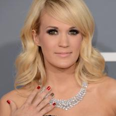 grammy2013_carrieunderwood5_v