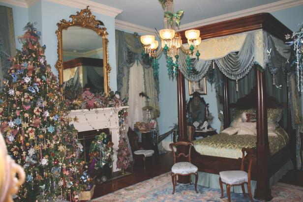Victorian Christmas Bedroom in Natchez, Mississippi