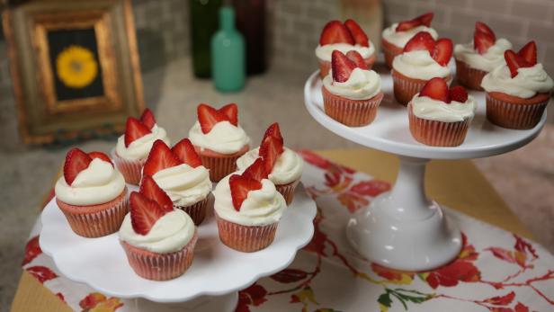 KSS_strawberrycupcakes_208_h