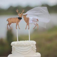 CI_MorganTheCreator_deer-wedding-cake-topper_h