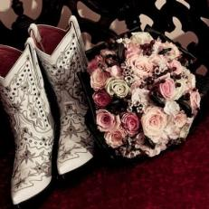 brides-in-boots3_h