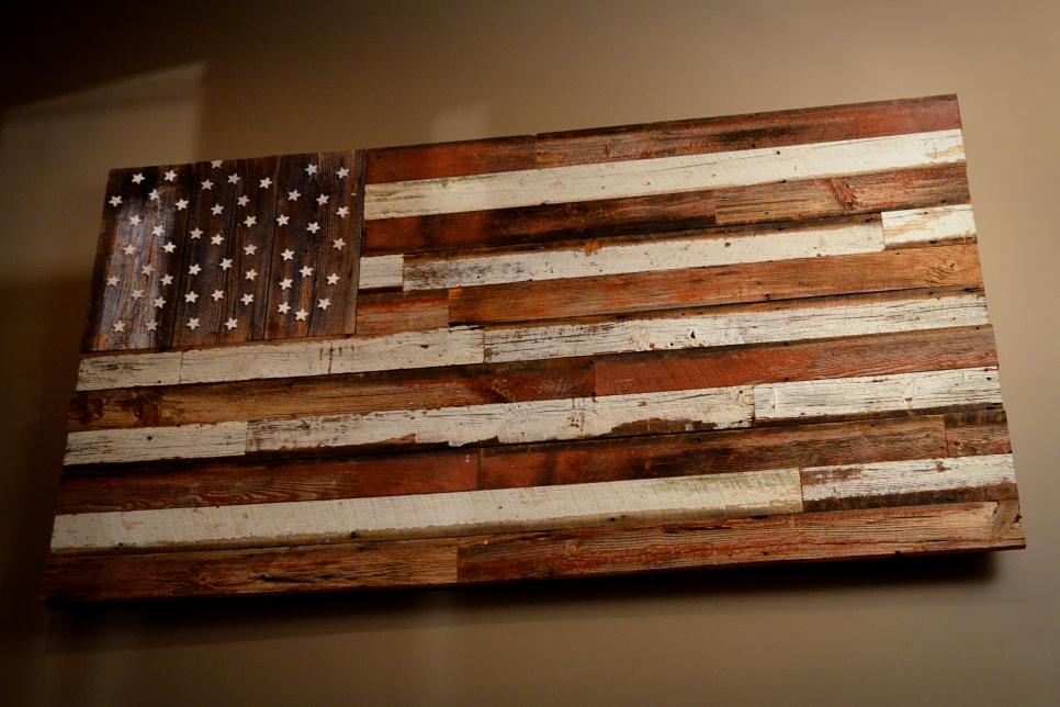 Rustic barnwood decorating ideas gac - Scrap wood decorated house ...
