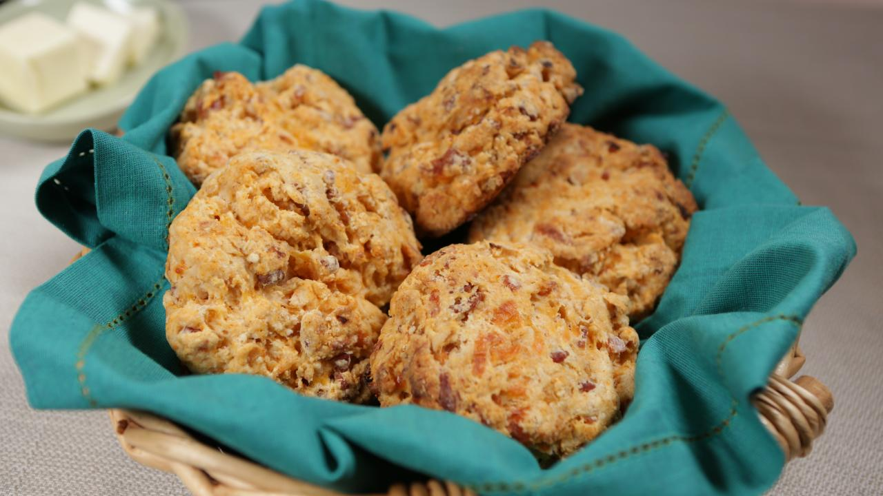 Cheddar Bacon Biscuits Recipe | GAC