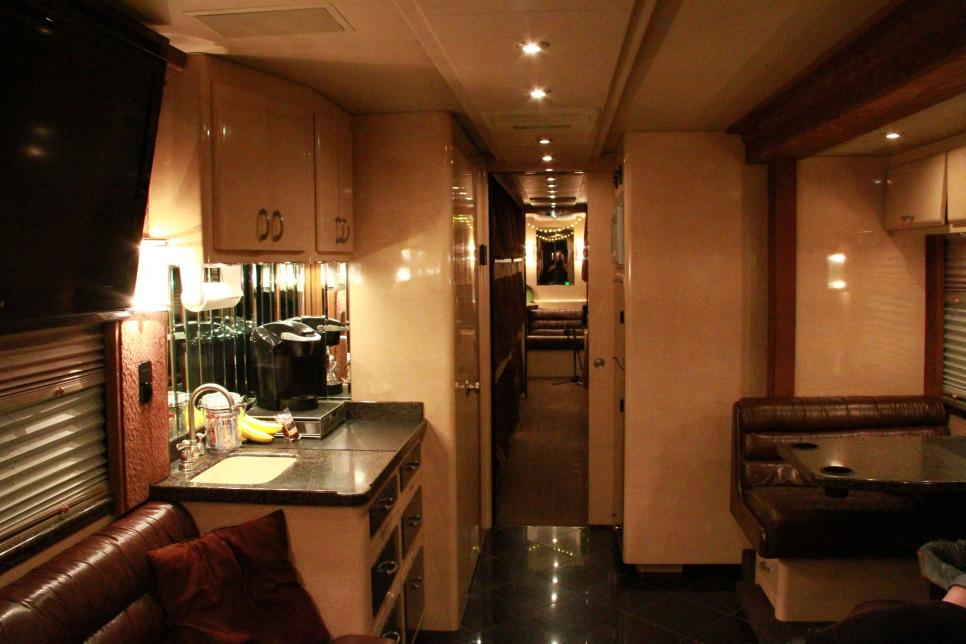 130 Best Celebrity Motor Homes images | Motor homes ...