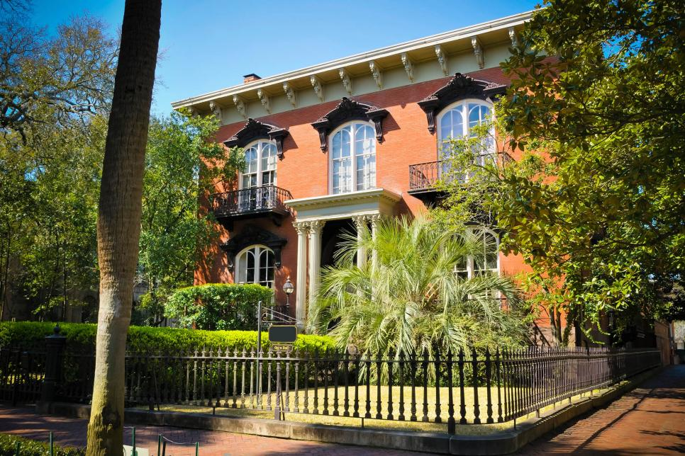 A Sale Of Two Cities House Hunting In Savannah Ga And