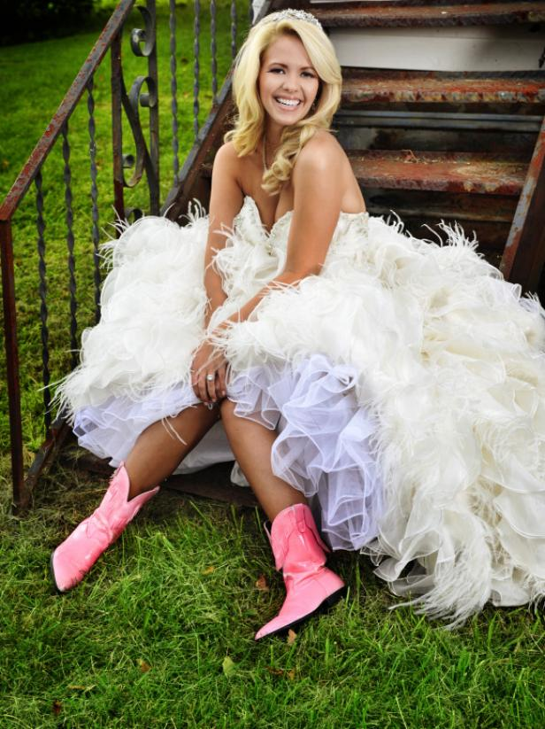 wedding ideas for august country weddings brides in boots gac 27864