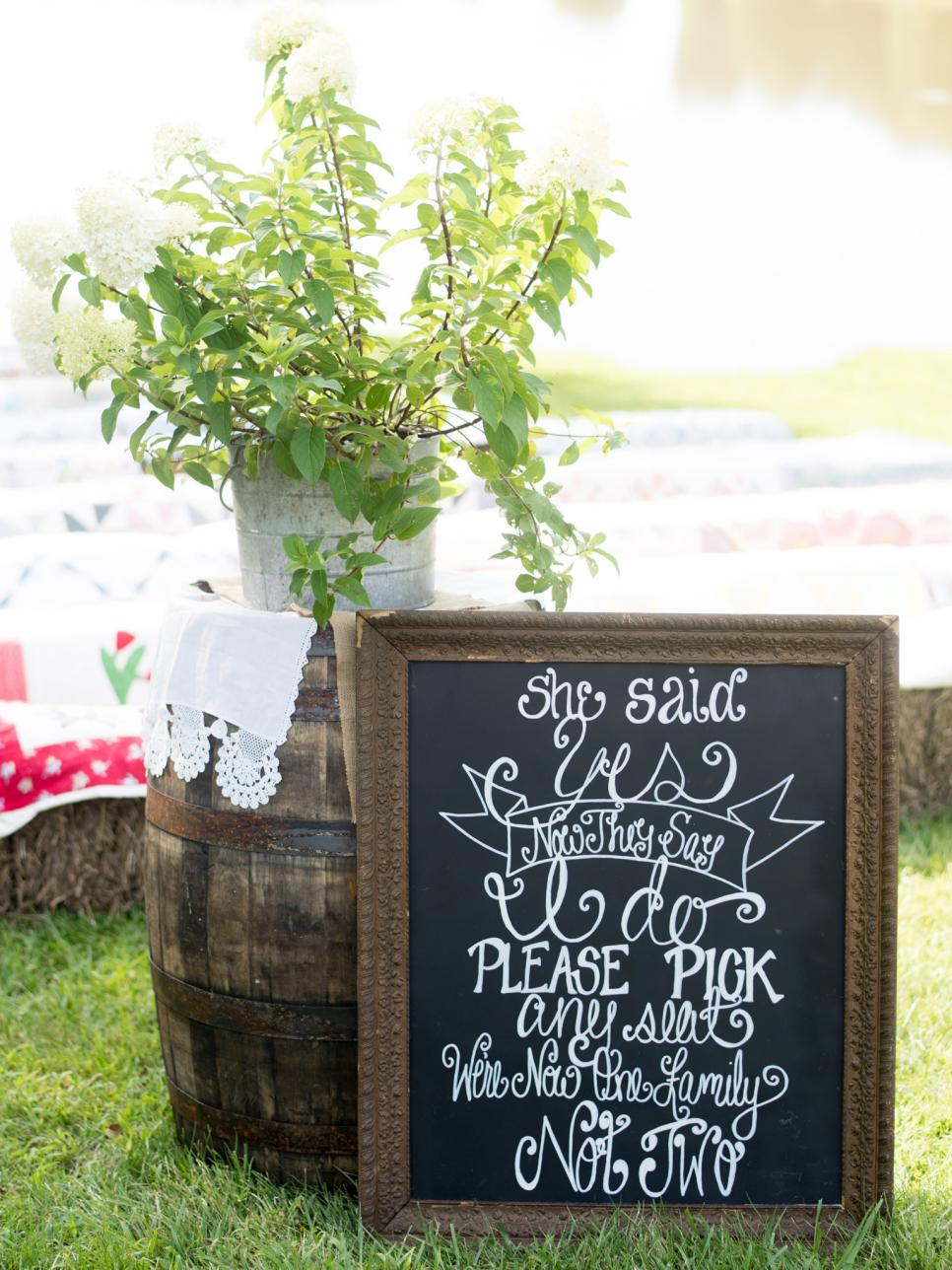23 Ideas For Easy And Cheap Wedding Signs And Banners Gac